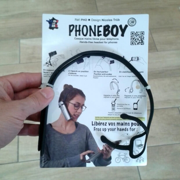 Casque Mains Libres PhoneBoy en main