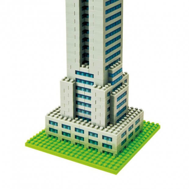 Nanoblock Tour Empire State Building Zoom sur sa Base Verte