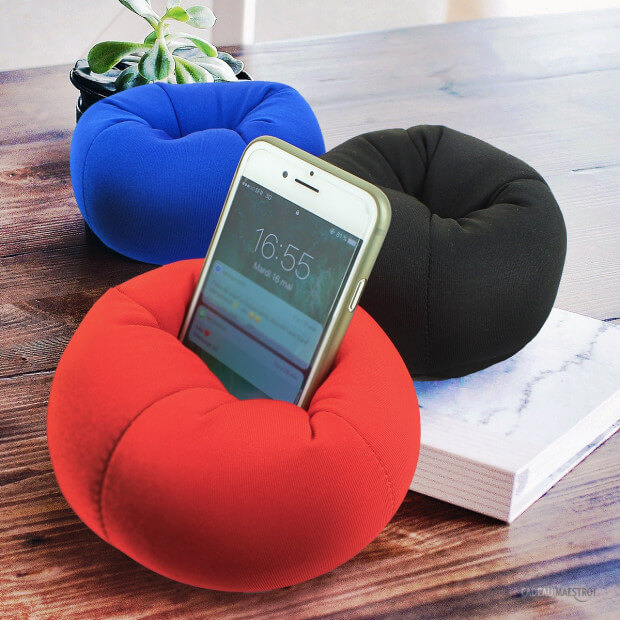 mini pouf pour smartphone cadeau maestro. Black Bedroom Furniture Sets. Home Design Ideas