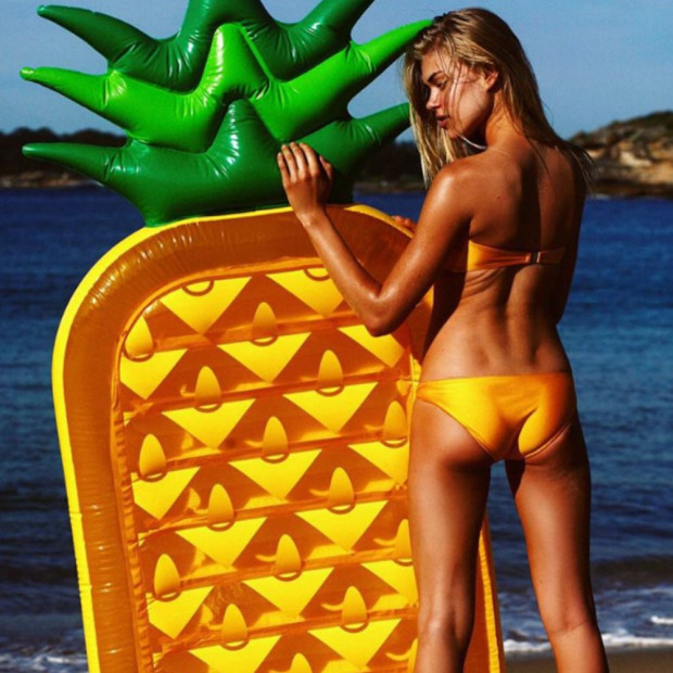 Matelas Gonflable Ananas Bronzage