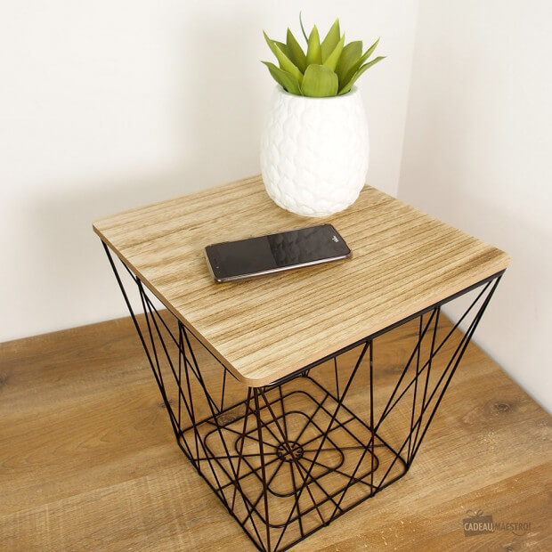 Table Carrée Wired