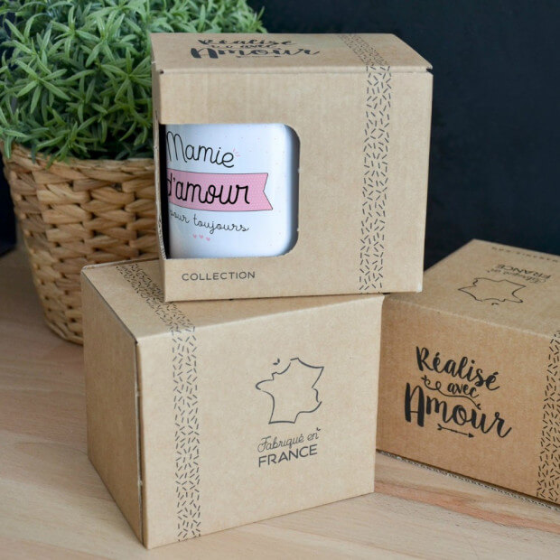 """Mug """"Mamie d'Amour pour Toujours"""" Packaging"""