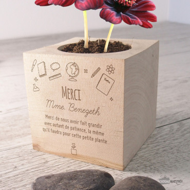 Ecocube Fleurs Chocolat Merci Maîtresse à Personnaliser
