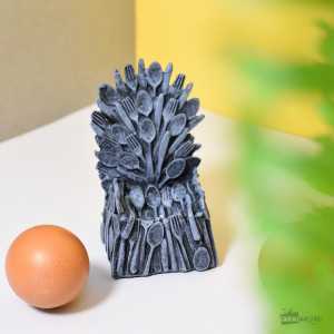 Coquetier Of Thrones