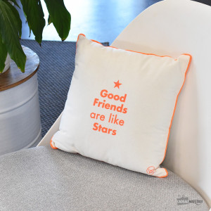 "Coussin ""Good Friends are Like Stars"""